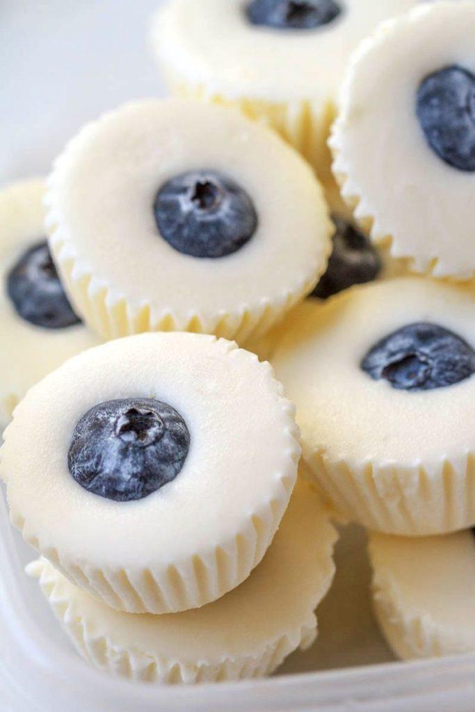 No-Bake Lemon Cheesecake Fat Bombs